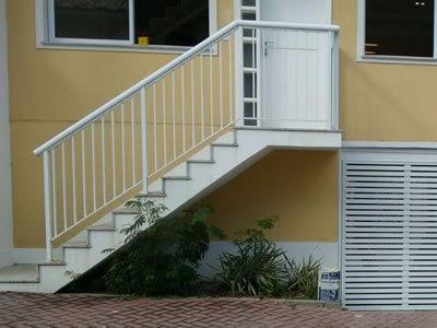 4-escadas-e-corrimao