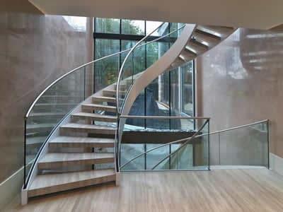 escada-helicodial-em-inox